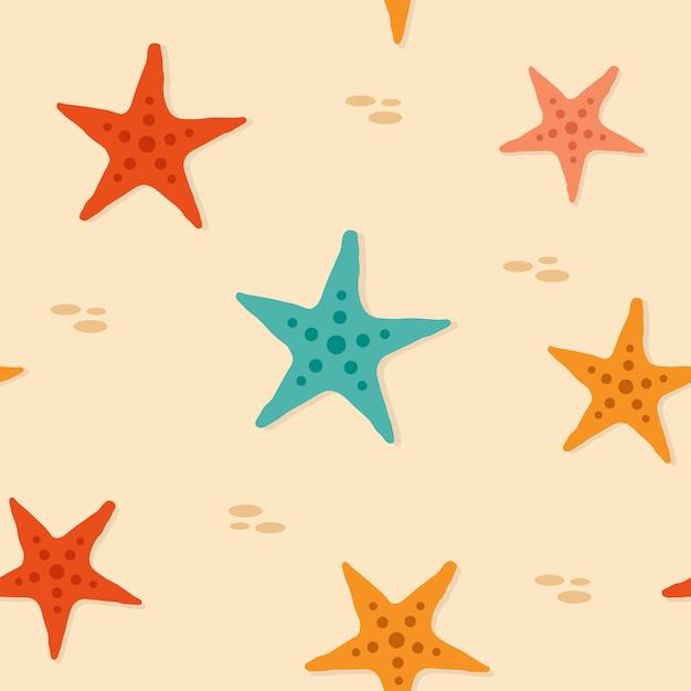 Nahtloses muster der starfish auf dem sand des strandes Premium Vektoren