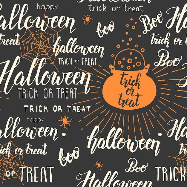 Nahtloses muster halloweens mit großem kessel, netz, spinne in der skizzenart und handgemachter beschriftung auf schwarzem. Premium Vektoren