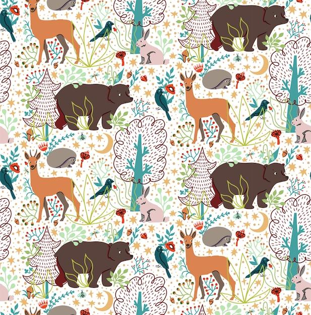 Nahtloses muster mit hand gezeichneten flachen lustigen tieren tragen bär, hirsch, igel, hase, vogel, bäume. Premium Vektoren