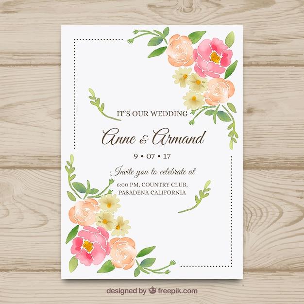 Nette Hand gezeichnete Hochzeitseinladung mit Blumen Kostenlose Vektoren