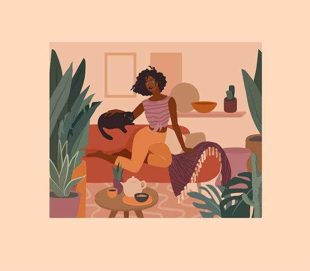 Nettes afrikanisches mädchen, das mit einer katze auf couch ruht. alltag und alltagsszene von junger frau im wohnbereich mit homeplants. karikaturillustration Premium Vektoren