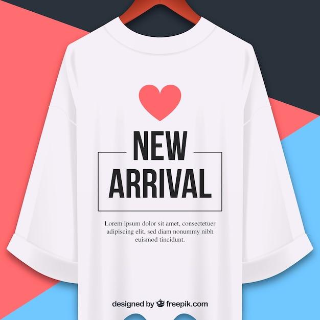 Neue ankunftszusammensetzung mit realistischem t-shirt Kostenlosen Vektoren