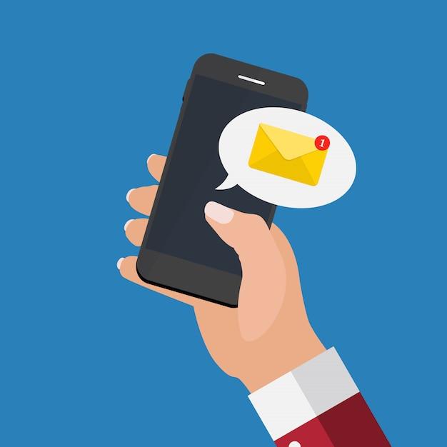 Neue e-mail auf dem smartphone-bildschirm benachrichtigungskonzept. Premium Vektoren