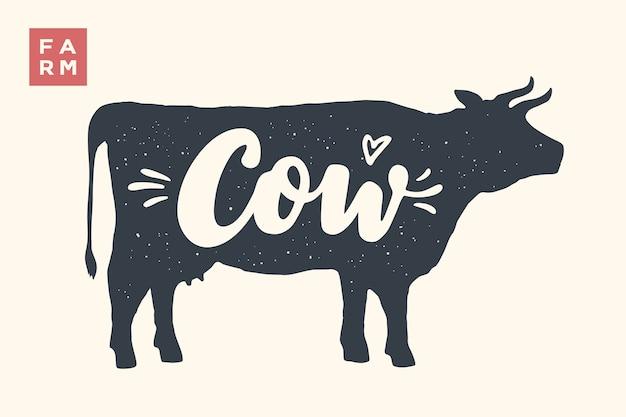 Nutztiere eingestellt. kuh silhouette und worte kuh, bauernhof. kreative grafik mit schriftzug kuh für metzgerei, bauernmarkt. plakat für tierthema. illustration Premium Vektoren