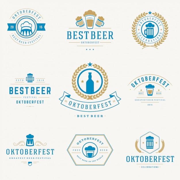 Oktoberfest-abzeichen und etiketten set vintage typografische vorlagen Premium Vektoren