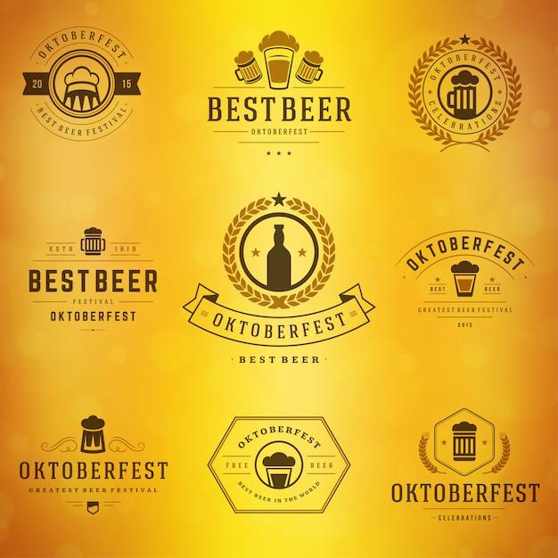 Oktoberfest-abzeichen und etiketten set vintage typografische Premium Vektoren