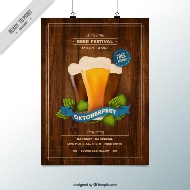 Oktoberfest-plakat mit einem hölzernen hintergrund Kostenlosen Vektoren