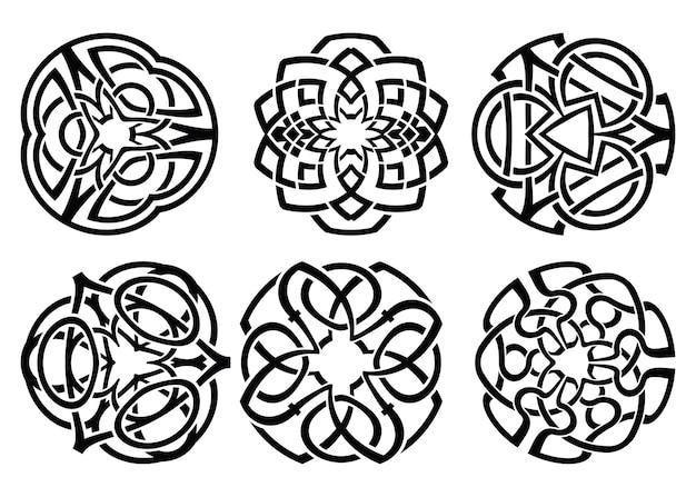 Ornament, dekorative keltische knoten und locken gesetzt. Premium Vektoren