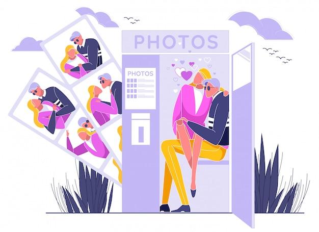 Paare, die in photo booth sitzen und fotos machen. Premium Vektoren