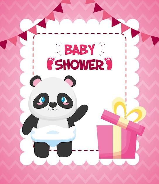 Panda mit geschenkbox für babypartykarte Kostenlosen Vektoren