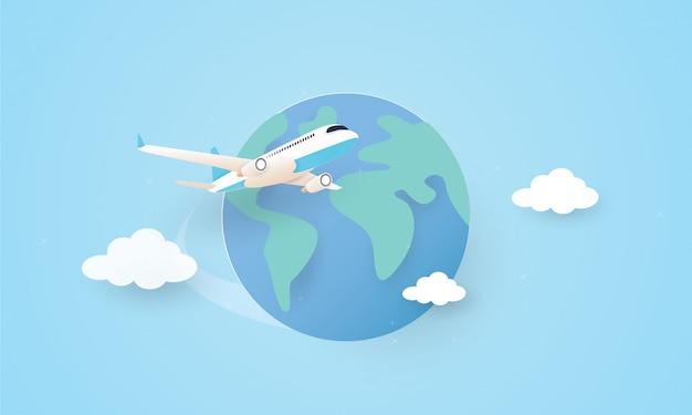 Papierkunst des flugzeugs, das um die welt fliegt, feiertagskonzept Premium Vektoren
