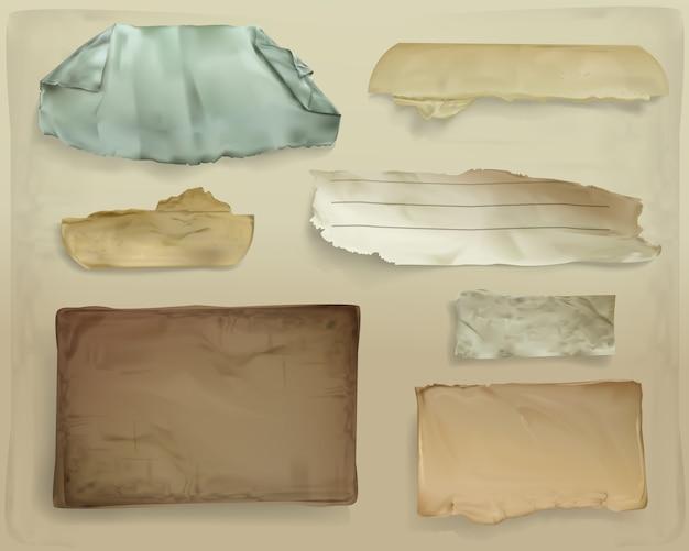 Papierschrottillustration des realistischen alten papiers zerriss blätter oder zerlumpte seitenfetzen Kostenlosen Vektoren