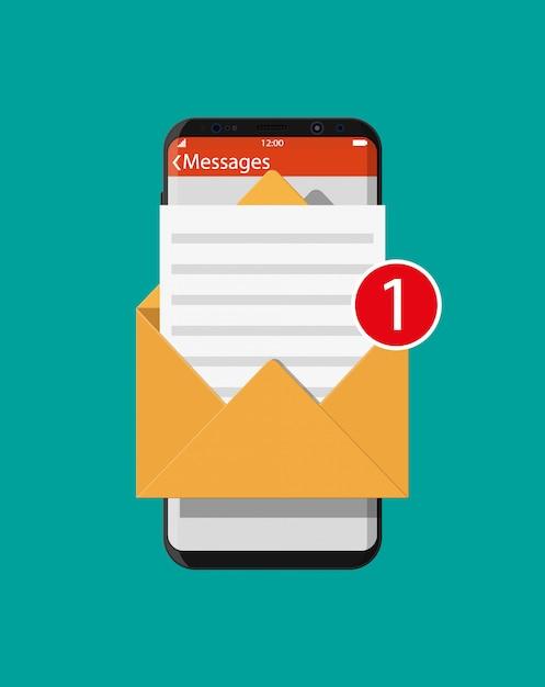 Papierumschlag brief im smartphone Premium Vektoren