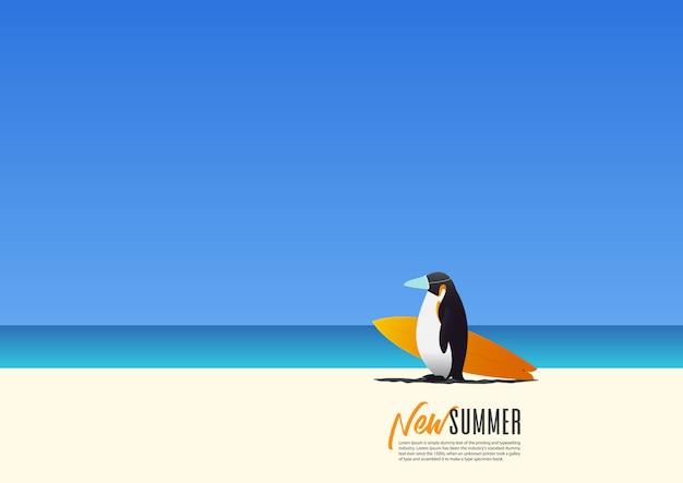 Pinguin, der eine maske für sicherheit trägt und surfbrett trägt, das am strand während neuer sommerferien geht. neue normalität für den urlaub nach coronavirus Premium Vektoren