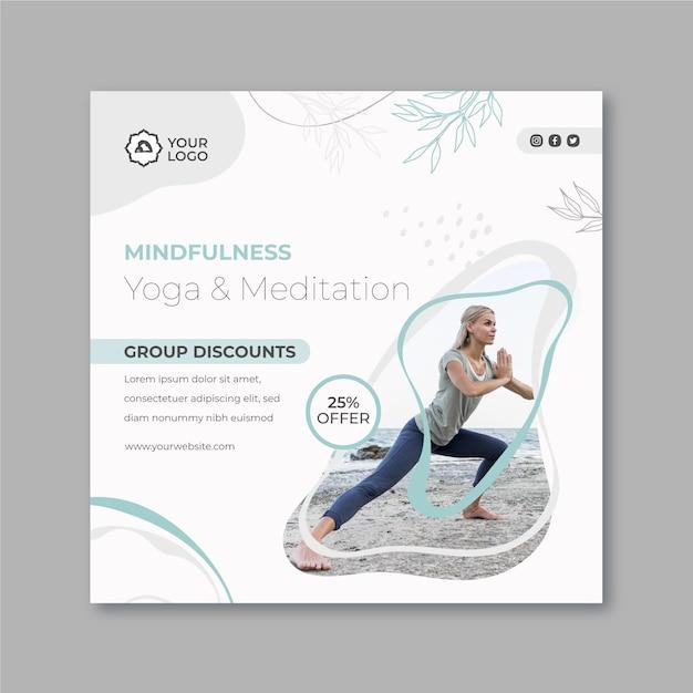 Quadratische flyer-vorlage für meditation und achtsamkeit Premium Vektoren