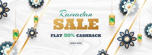 Ramadan sale flat 30% cashback header oder banner design. decorati Premium Vektoren