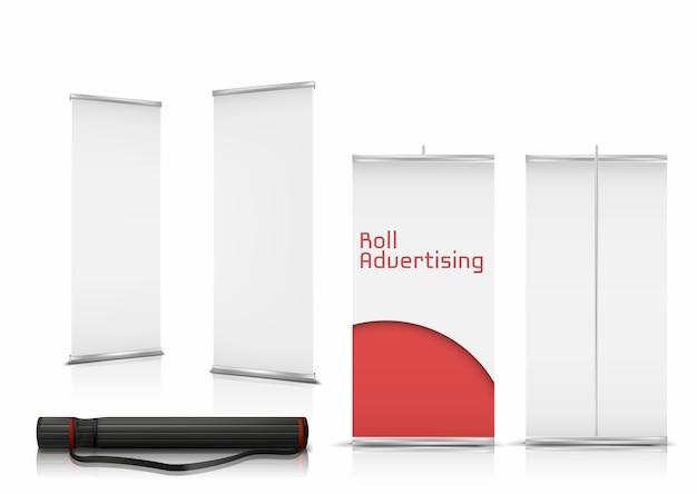 Realistische reihe von leeren roll-up-banner, vertikale steht mit papier leinwände für werbung Kostenlosen Vektoren