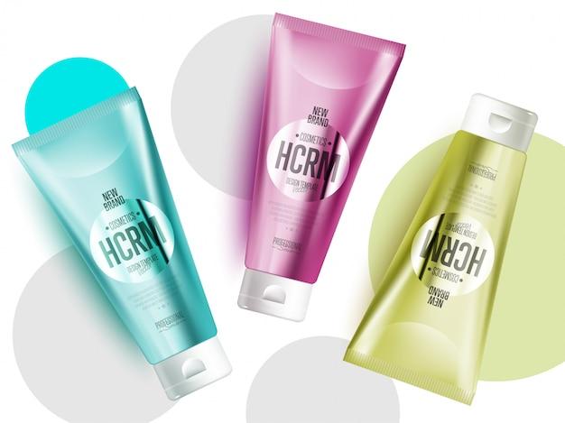 Realistischer kosmetischer produktsatz der gesichts- oder körperpflege Premium Vektoren