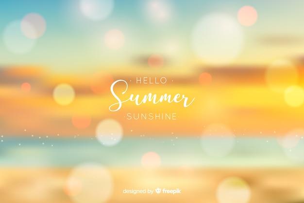 Realistischer unscharfer hallo sommerhintergrund Kostenlosen Vektoren