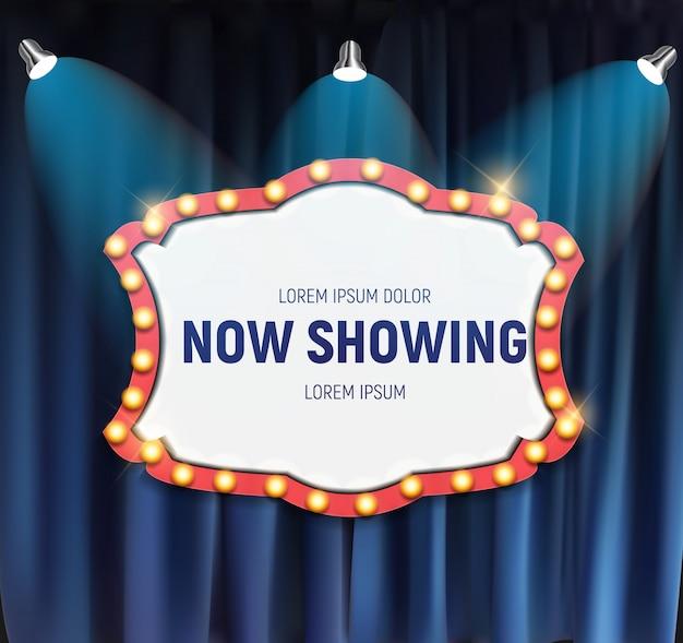 Realistisches retro-kino zeigt jetzt ankündigungstafel mit glühbirnenrahmen auf vorhanghintergrund. illustration Premium Vektoren