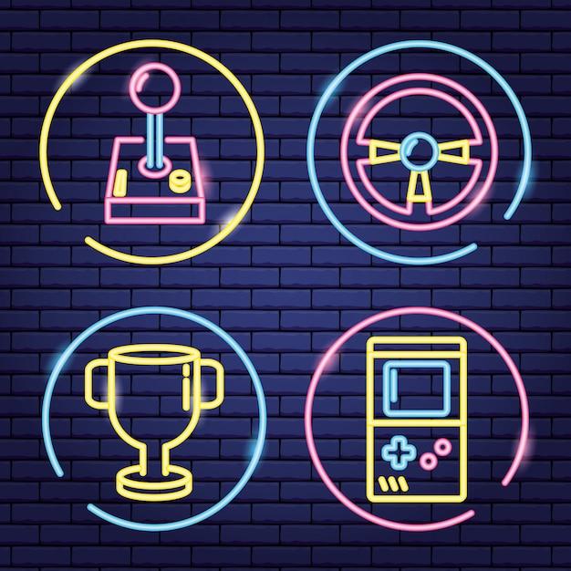 Reihe von objekten im zusammenhang mit videospielen in neon und linearen stil Kostenlosen Vektoren