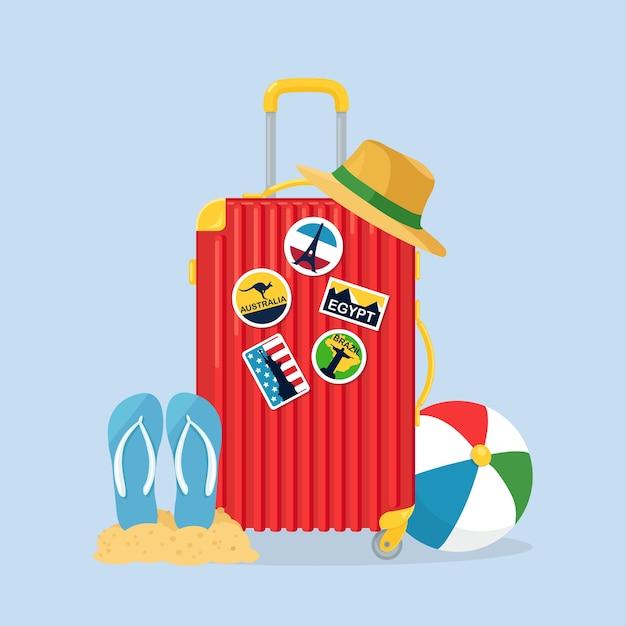 Reisetasche, gepäck isoliert. koffer mit aufklebern, strohhut, wasserball, sandalen, schuhen. sommerzeit, urlaub, tourismuskonzept Premium Vektoren
