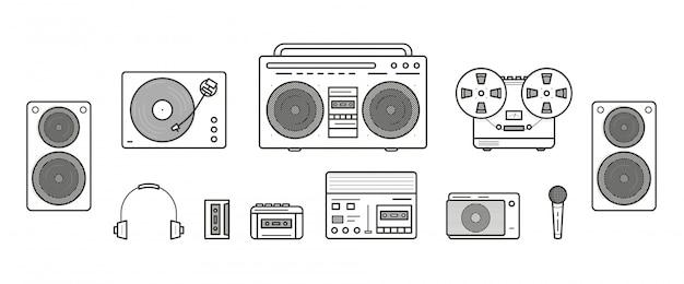 Retro-sammlung von soundsystemen. tragbarer player, kopfhörer, kassettenrekorder, stereoanlage, lautsprecher, plattenspieler, kassettenrekorder, mikrofon, radio, vinyl-player. konturlinienkunst-illustrationssatz Premium Vektoren