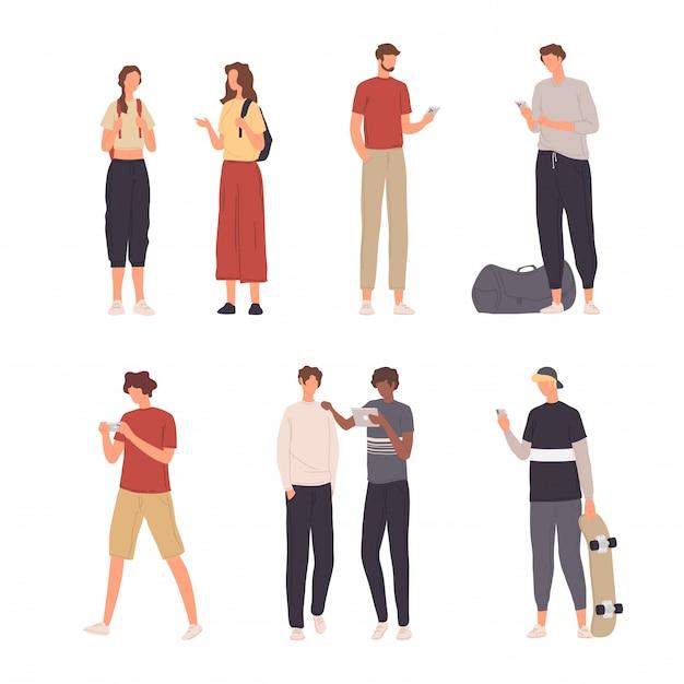 Sammlung leute-charakter-illustration, die verschiedene tätigkeit mit ihrem smartphone im flachen design tut Premium Vektoren