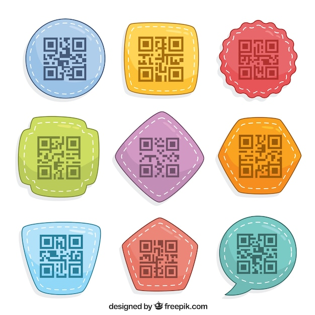 Sammlung von neun bunten qr code mit geometrischen formen Kostenlosen Vektoren