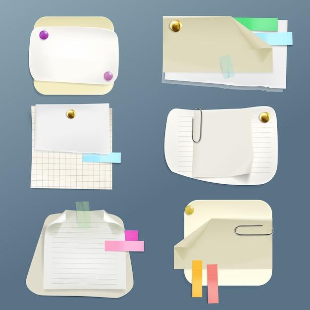 Sammlung von verschiedenen notizzetteln mit pins und clips. klebeband und sauber ausgekleidet, checker Kostenlosen Vektoren