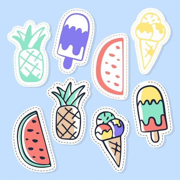 Satz eiscreme- und fruchtaufkleber, stifte, flecken und handgeschriebene sammlung in der karikaturart. Premium Vektoren