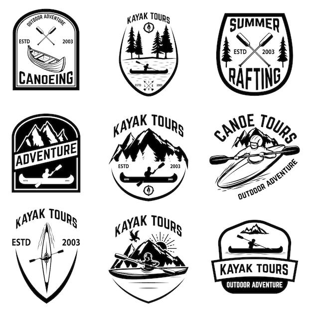 Satz kanuabzeichen auf weißem hintergrund. kajakfahren, kanutouren. elemente für logo, etikett, emblem, zeichen. illustration Premium Vektoren