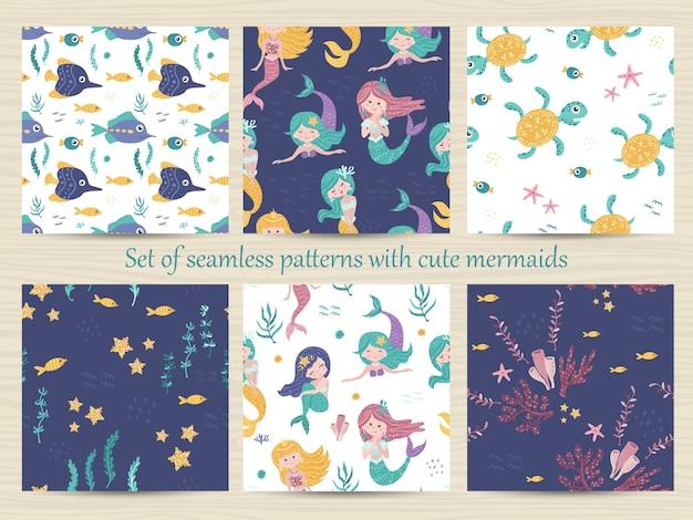 Satz nahtlose muster mit meerjungfrauen, schildkröten, seesternen, seetang und koralle. Premium Vektoren