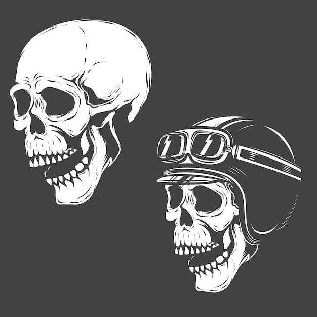 Satz rennfahrerschädel auf weißem hintergrund. elemente für logo, etikett, emblem, poster, t-shirt. illustration. Premium Vektoren