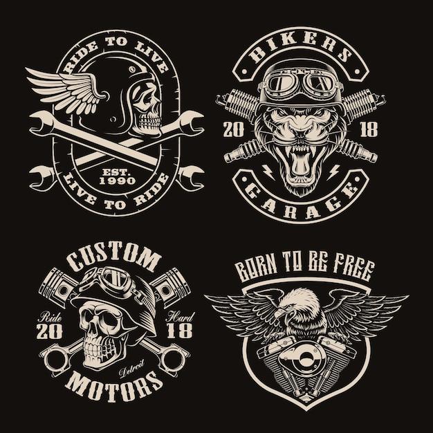 Satz schwarz-weiß-vintage-biker-embleme auf dunkel Premium Vektoren