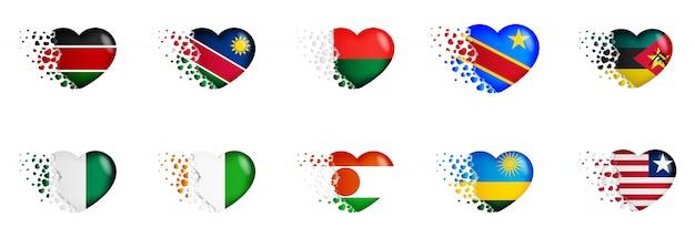 Satz staatsflaggen von afrika-land in der herzillustration. die nationalflaggen fliegen kleine herzen aus Premium Vektoren