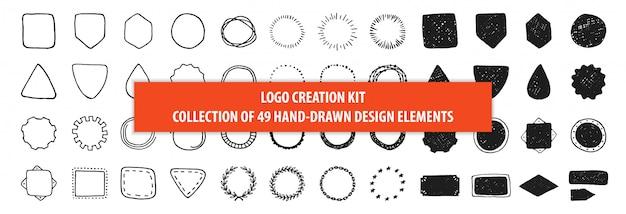 Satz von 49 gezeichnetem rahmendesign der weinlese hand. kit zur logoerstellung Premium Vektoren