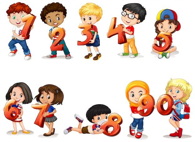 Satz von verschiedenen kindern, die mathe-nummer halten Kostenlosen Vektoren