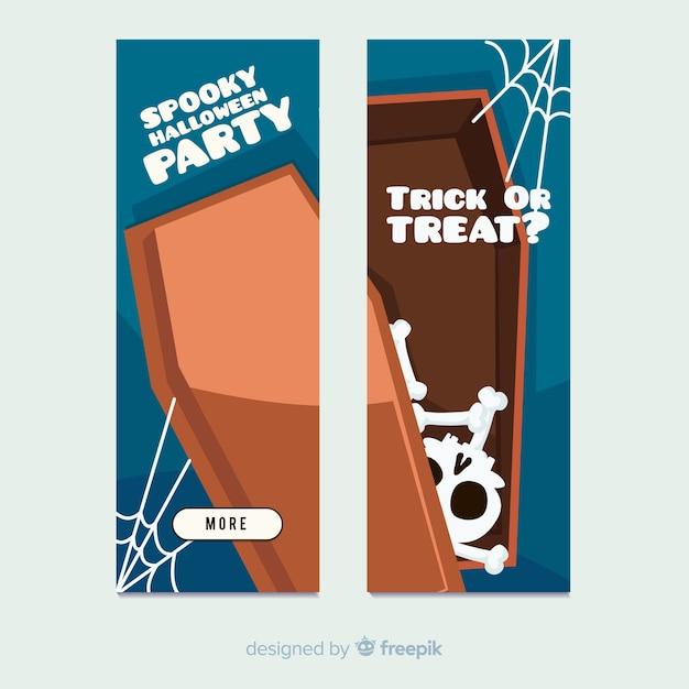 Schreckliche halloween-banner mit flachem design Kostenlosen Vektoren