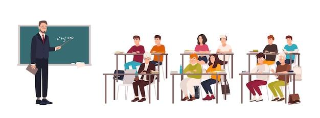 Schüler sitzen an schreibtischen im klassenzimmer, zeigen gutes benehmen und hören aufmerksam dem lehrer zu, der neben der tafel steht und den unterricht erklärt Premium Vektoren