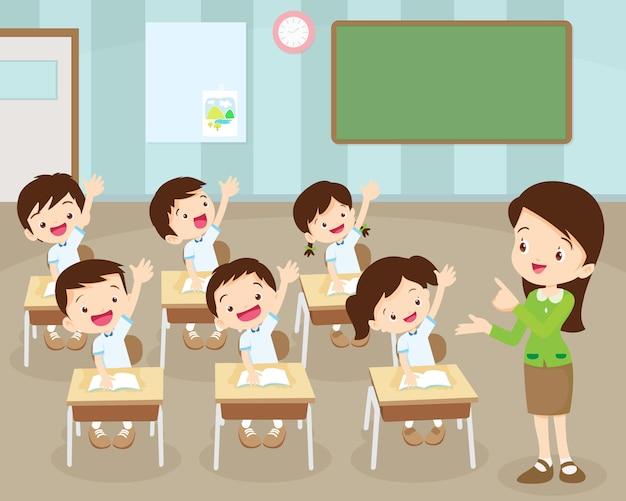 Schüler übergeben im klassenzimmer Premium Vektoren