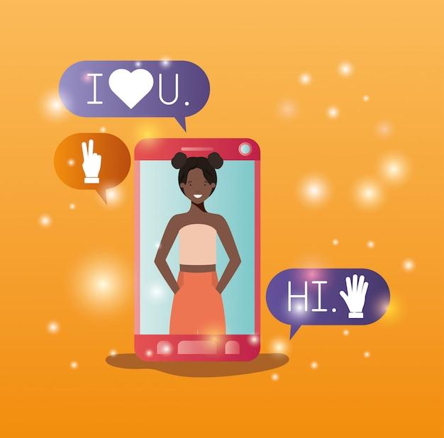 Schwarze frau im smartphone mit social media-blasen Premium Vektoren