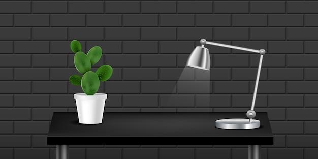 Schwarze realistische tabelle mit kaktus und lampe, strukturiertes wandschwarzes. Premium Vektoren
