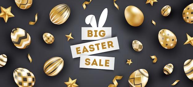 Schwarzes banner des osterverkaufs mit realistischen goldverzierten eiern, sternen, text und bändern. Premium Vektoren