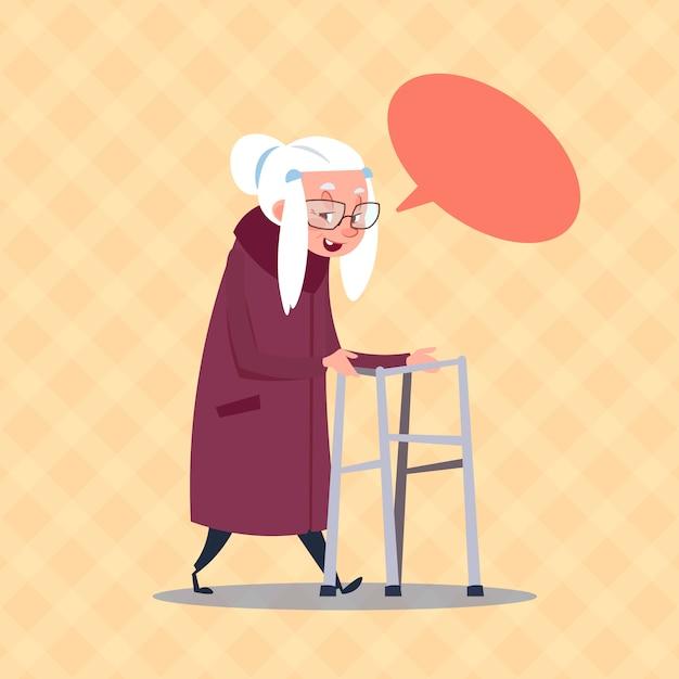 Senior woman with chat bubble moderne großmutter in voller länge Premium Vektoren