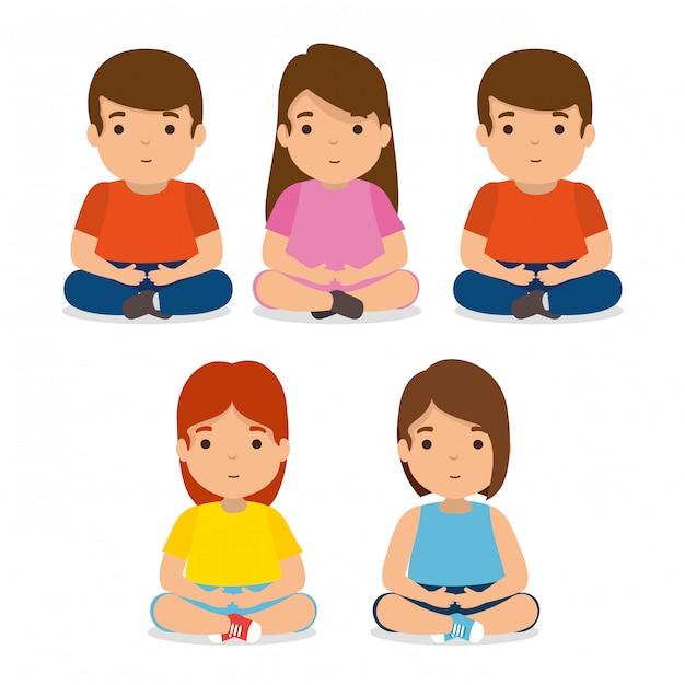 Setze kinderfreunde zusammen mit freizeitkleidung Kostenlosen Vektoren