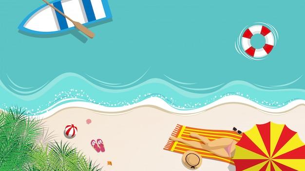 Sexy frau im bikini, der auf dem strand ein sonnenbad nimmt Premium Vektoren