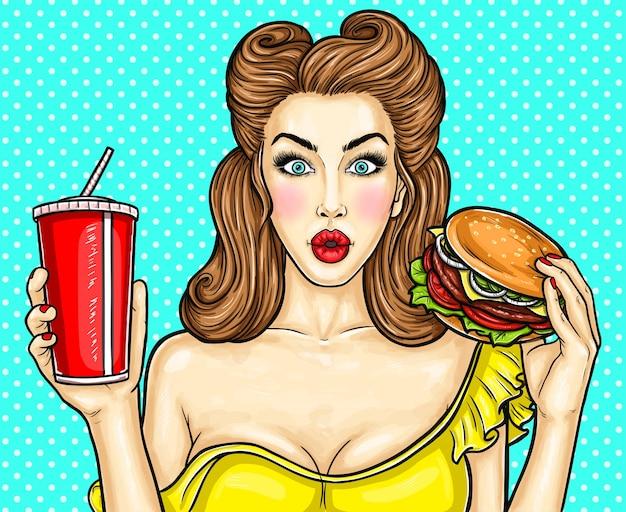 Sexy pop art mädchen mit einem cocktail in der hand Kostenlosen Vektoren