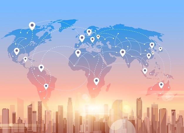 Social media-kommunikations-internet-netzwerk-verbindungs-stadt-wolkenkratzer-ansicht-weltkarten-hintergrund Premium Vektoren