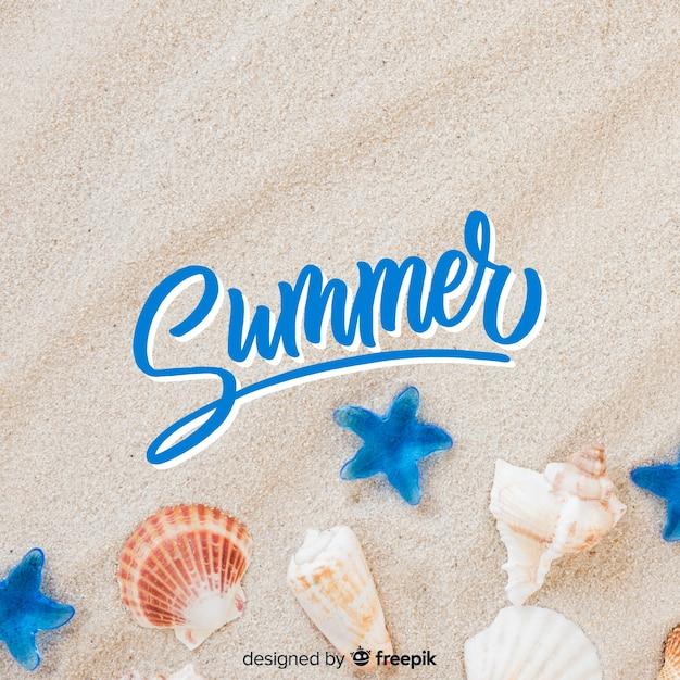 Sommerbeschriftung mit fotohintergrund Kostenlosen Vektoren